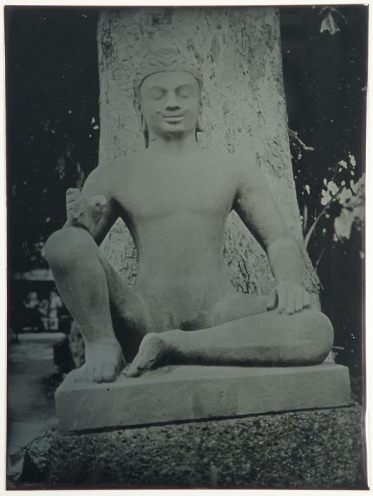 Sitting Budda of Angkor