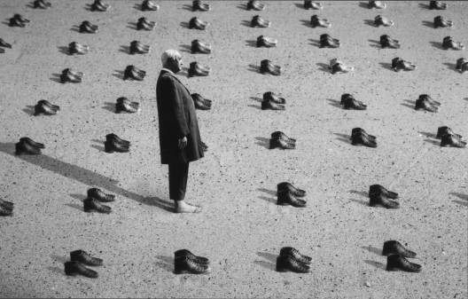 Gilbert Garcin - 214 - Le témoin (The witness), 2002, gelatin silver print, 8 by 12 inches, 12 by 16 inches, or 20 by 24 inches