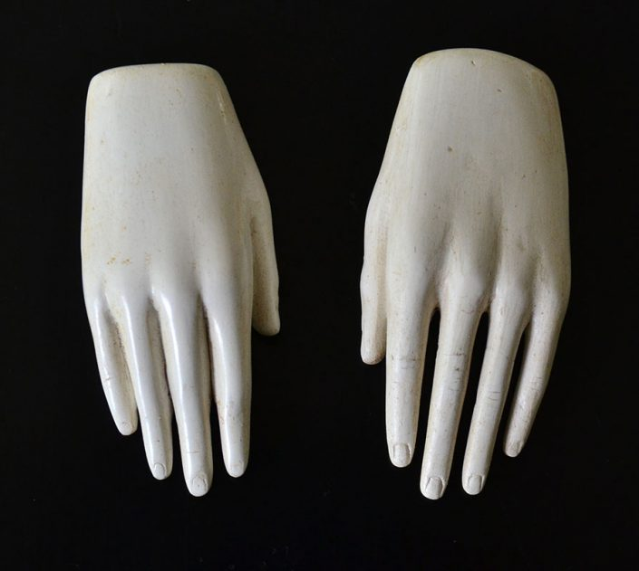 Xawery Wolski - Manos Pequenas (Small Hands) (SOLD), 2000, terracotta, unique, 3.5 by 1.5 by 1 inches