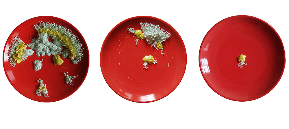 Li Mingzhu - Digesting Mao, 2007, ceramic, 3 plates, 15.75 inch diameter each